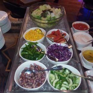 Foto 10 - Makanan di Oopen Restaurant - Ibis Bandung Trans Studio Hotel oleh Chris Chan