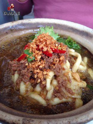 Foto 1 - Makanan(Mie Kriuk Siram Sapi) di Cici Claypot oleh awakmutukangmakan