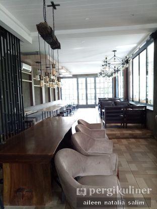 Foto 7 - Interior(Interior Biasa Lt 2) di Papa & Mama Bistro and Coffee oleh @NonikJajan