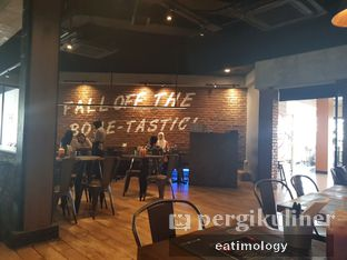 Foto 1 - Interior di The Holyribs oleh EATIMOLOGY Rafika & Alfin
