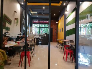 Foto 3 - Interior(Lantai Atas) di Master Cheese Pizza oleh Adhy Musaad