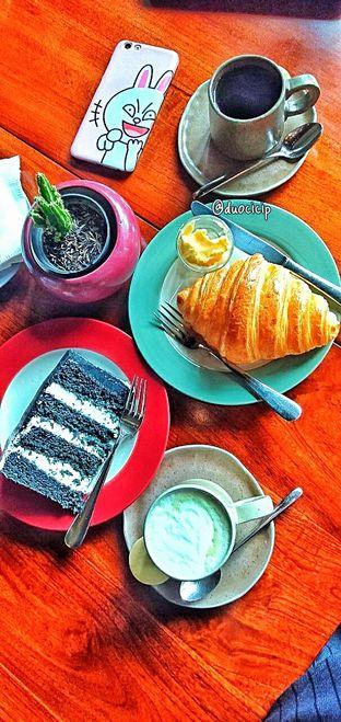 Foto 33 - Makanan di Convivium oleh duocicip