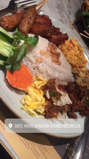 Foto 1 - Makanan(Nasi Uduk) di Sate Khas Senayan oleh Jason Wijaya