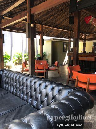 Foto 6 - Interior di Badung Cafe & Resto oleh a bogus foodie