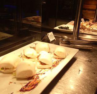 Foto 21 - Makanan(duck bun) di Collage - Hotel Pullman Central Park oleh maysfood journal.blogspot.com Maygreen