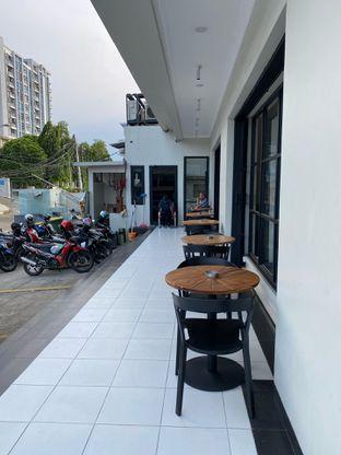 Foto review Emji Coffee Bar oleh Jeljel  9