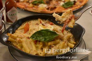 Foto review Pizza Marzano oleh @foodiaryme | Khey & Farhan 2