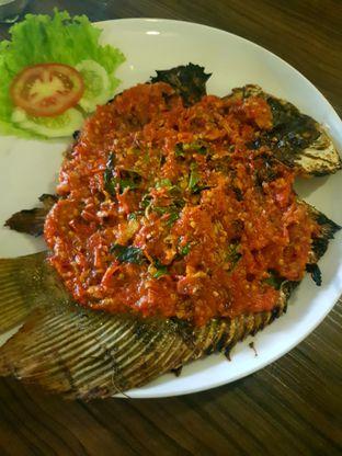 Foto 6 - Makanan di Talaga Sampireun oleh ig: @andriselly