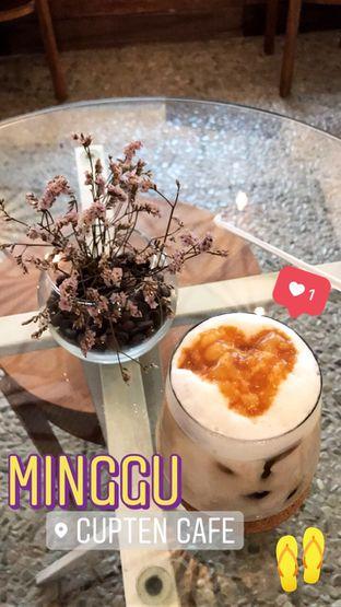 Foto - Makanan(Caramel macchiato) di Cupten Cafe oleh Irenne