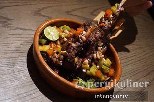 Foto 5 - Makanan(Wagyu Beef Sate) di BAE by Socieaty oleh bataLKurus