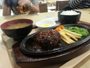 Foto 2 - Makanan(Hamburg Teishoku) di Wateishoku Yamakawaya oleh Oswin Liandow