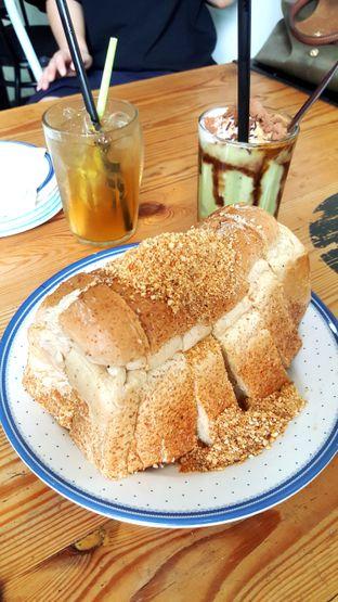 Foto 1 - Makanan di Roti Nogat oleh Naomi Suryabudhi