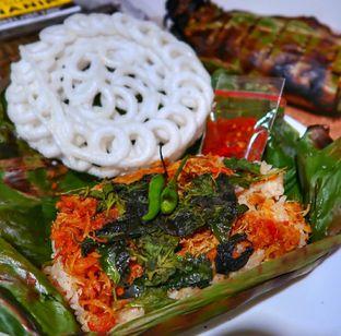 Foto 2 - Makanan di Pisang Goreng Madu Bu Nanik oleh deasy foodie