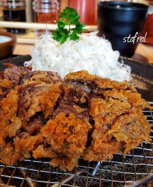Foto 2 - Makanan(Negi Beef Katsu Sets) di Kimukatsu oleh Stanzazone