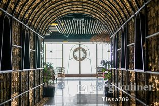 Foto 9 - Interior di Scenic 180° (Restaurant, Bar & Lounge) oleh Tissa Kemala