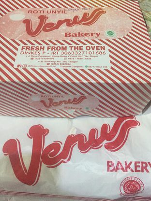 Foto 1 - Makanan di Roti Unyil Venus oleh Mariane  Felicia