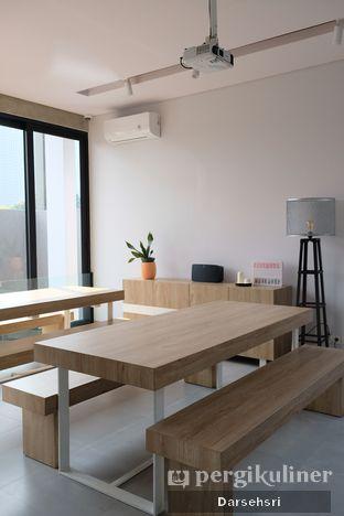 Foto 2 - Interior di Cecemuwe Cafe and Space oleh Darsehsri Handayani
