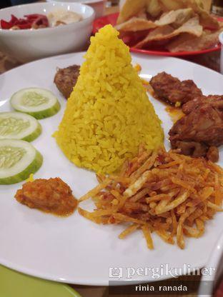 Foto 2 - Makanan di Bakmi Pangsit Palu oleh Rinia Ranada