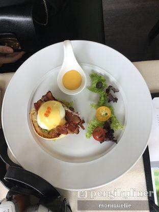 Foto 4 - Makanan(Egg benedict) di Platinum Grill oleh Monique @mooniquelie @foodinsnap