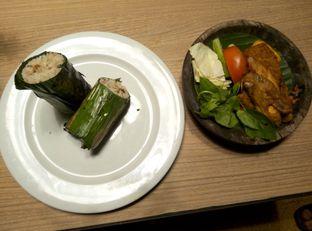 Foto 1 - Makanan di Dapoer Penyet oleh Emir Khaerul