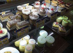 6 Toko Kue di BSD dengan Pilihan Kue yang Manis nan Legit