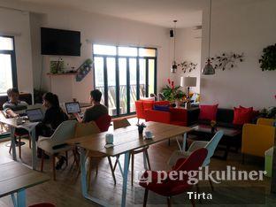 Foto 9 - Interior di Opiopio Cafe oleh Tirta Lie