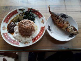 Foto - Makanan di RM Pondok Minang Jaya oleh @faizalft