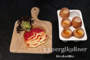 Foto 7 - Makanan(Tuna tartare) di Namaaz Dining oleh UrsAndNic