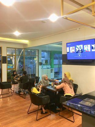 Foto 7 - Interior di The Gade Coffee & Gold oleh Prido ZH