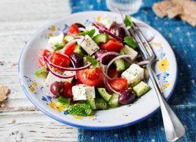 Sensasi Nikmatnya Aneka Salad dari Seluruh Dunia yang Menyehatkan