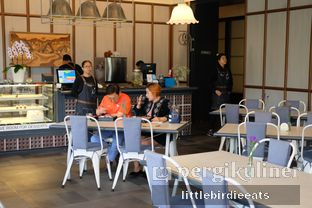 Foto 13 - Interior di Hours Coffee & More oleh EATBITESNAP // Tiffany Putri