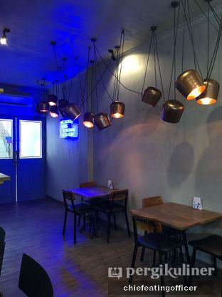 Foto 8 - Interior di Burns Cafe oleh Cubi
