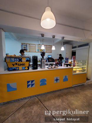 Foto 1 - Interior di Yoshi! Coffee oleh Saepul Hidayat