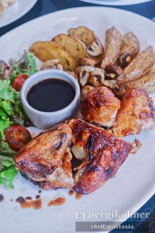 Foto 3 - Makanan(Roasted Chicken) di Indoguna Gourmet oleh Shella Anastasia