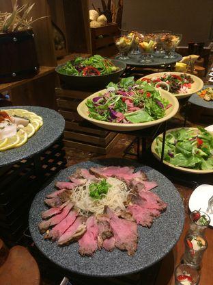 Foto 1 - Makanan di The Square - Hotel Novotel Tangerang oleh Manstabh Food