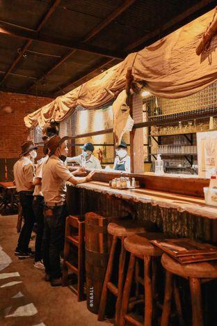 Foto 3 - Interior di Karnivor oleh Christian Lyonal