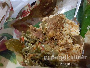 Foto 2 - Makanan(Rendang) di Restoran Simpang Raya oleh @teddyzelig