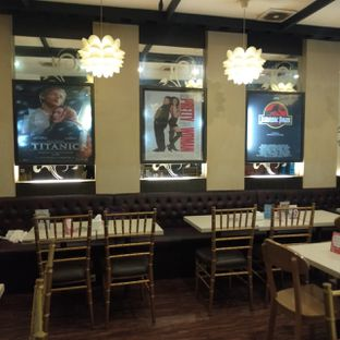 Foto 7 - Interior di WaxPresso Coffee Shop oleh felita [@duocicip]