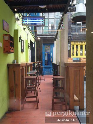 Foto 7 - Interior di Giyanti Coffee Roastery oleh JC Wen