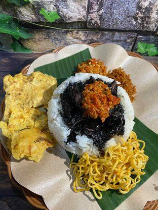Foto review Nasi Cumi Hitam Madura Pak Kris oleh Yohanacandra (@kulinerkapandiet) 8
