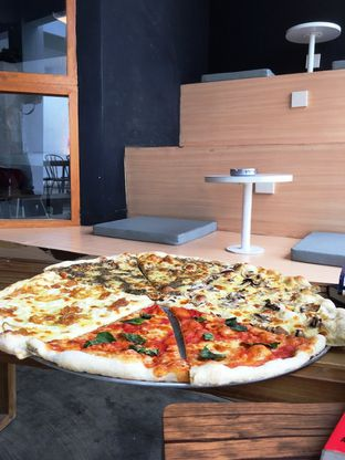 Foto 25 - Makanan di Sliced Pizzeria oleh Prido ZH