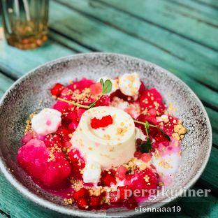 Foto 5 - Makanan(es kelapa muda panacotta) di The Garden oleh Sienna Paramitha