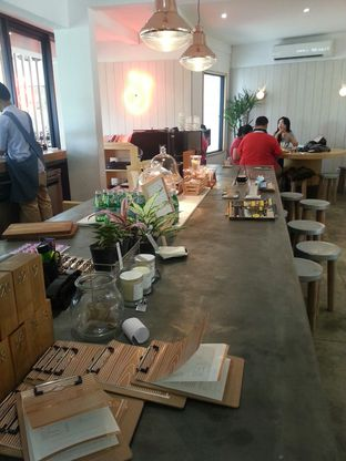 Foto 1 - Interior di Woodpecker Coffee oleh Yulia Amanda