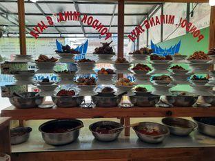 Foto 6 - Makanan di RM Pondok Minang Jaya oleh Deasy Lim