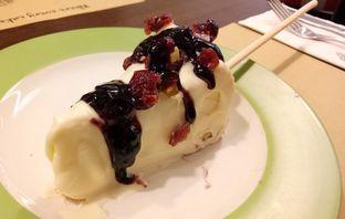 Foto 6 - Makanan(cheese cake pops) di Almondtree oleh maysfood journal.blogspot.com Maygreen