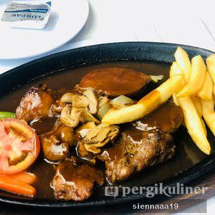 Foto 1 - Makanan(original chicken steak) di Boncafe oleh Sienna Paramitha