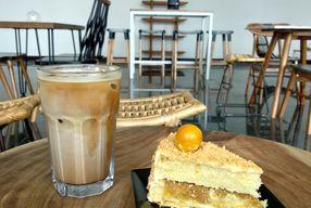 Foto Kaca Coffee & Eatery