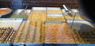 Foto 4 - Makanan di Mardin Baklava Patisserie oleh Astri Arf