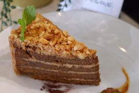 Foto Riveaux Cafe & Patisserie