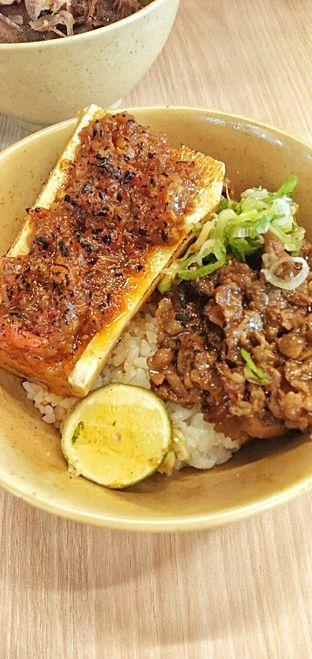 Foto 6 - Makanan(beef with sambal korek bawang bone warrow) di Mangkok Ku oleh duocicip